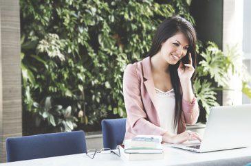 As Vantagens de contratar um Atendente Bilíngue para sua empresa